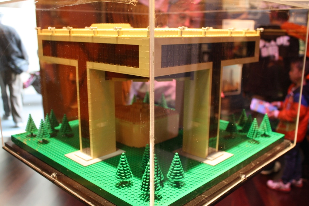World's Fair - Memorabilia - Image 10
