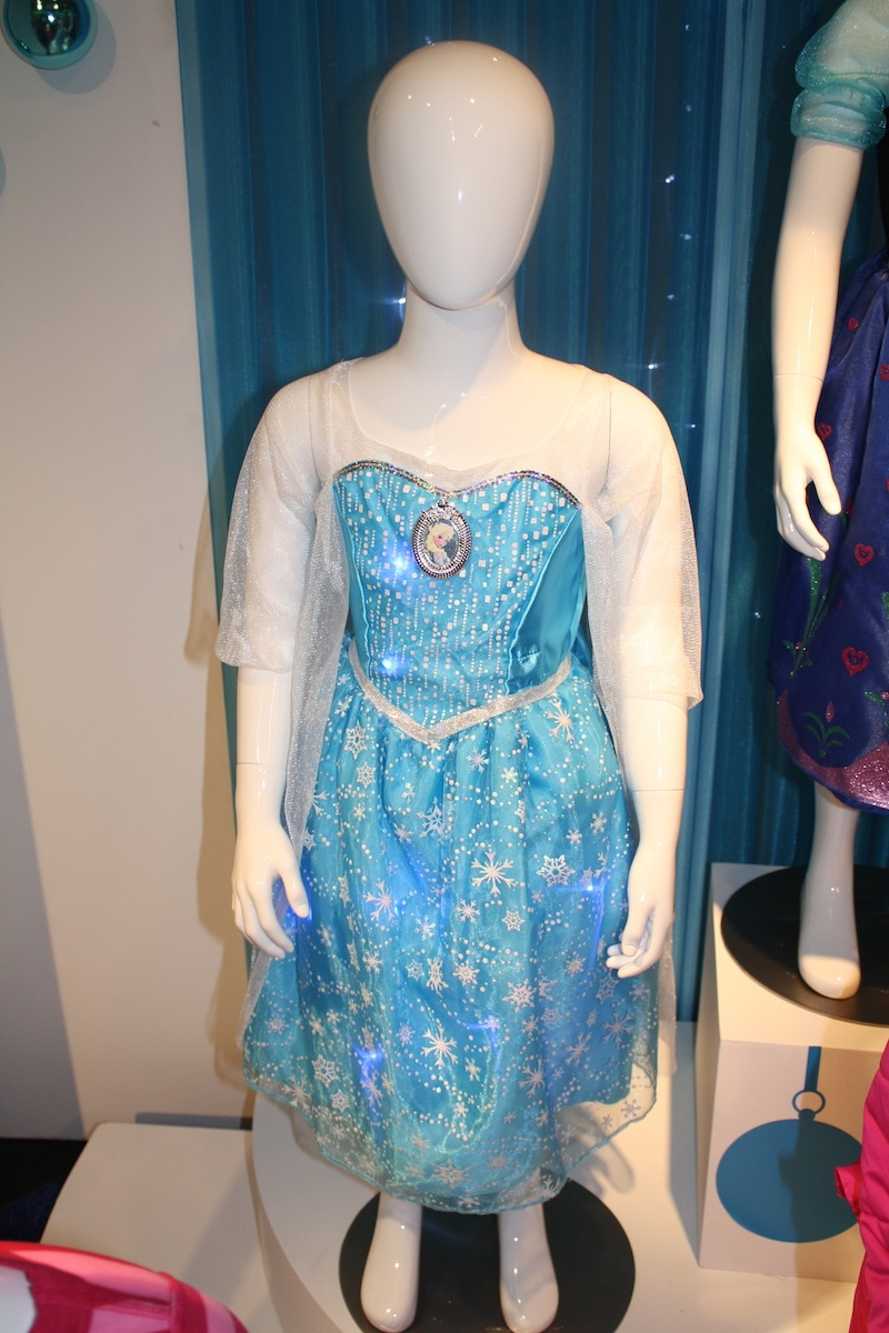 Disney Holiday Preview 2014 - Frozen - Elsa Light Up Costume