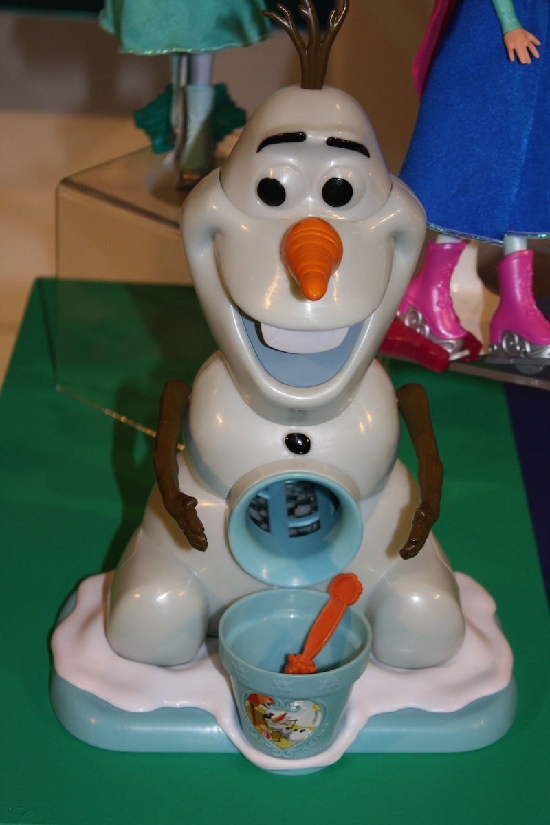 Olaf Snow Cone Maker (24.99) from JAKKS Pacific available at retailers TBD in October