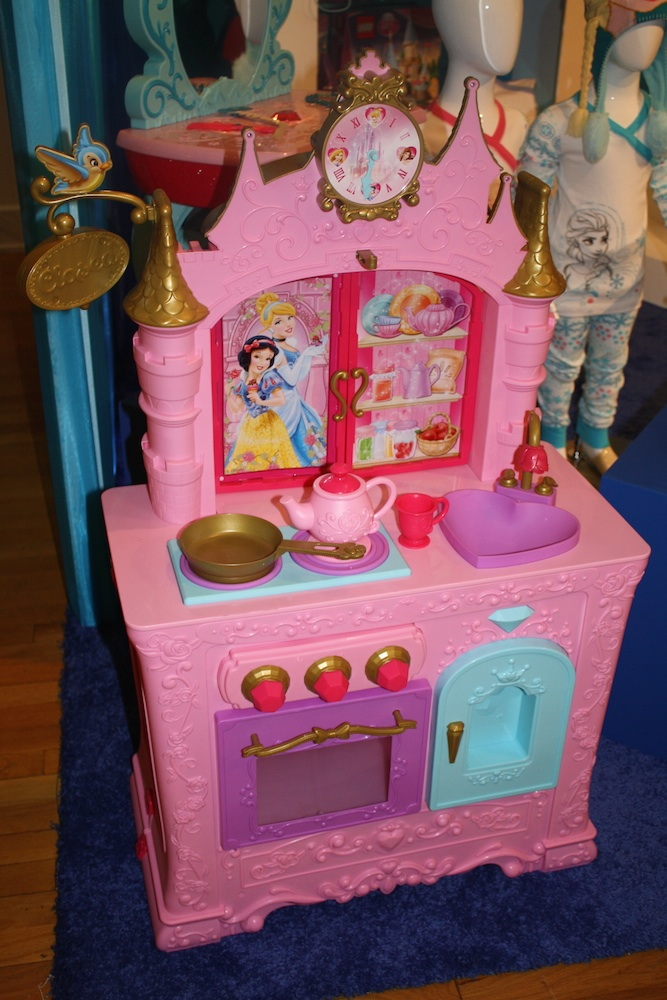 Disney Holiday Preview 2014 - Princess Kitchen