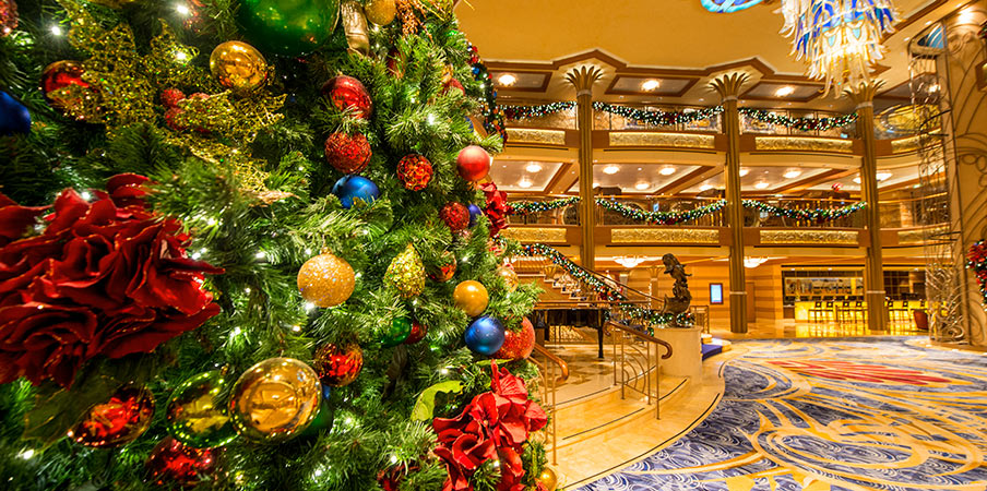 this is what christmas looks like on a disney cruise